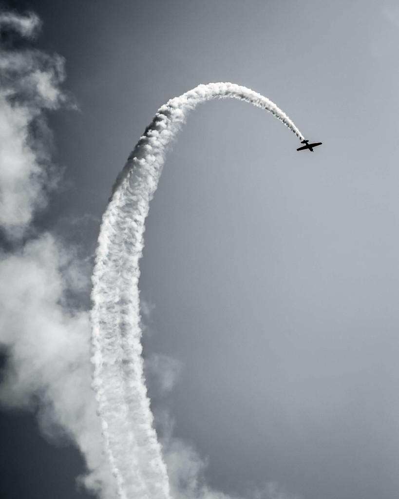 plane looping